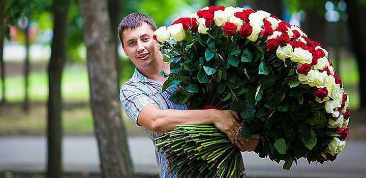 Meet Your loved one With Flowers or With Gift in Odessa or in any Ukrainian airport